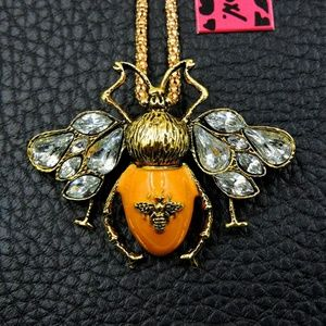 NWT Betsey Johnson Yellow Bumblebee Necklace